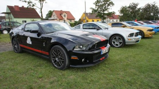 Ford Mustang na Mustang Race 2012